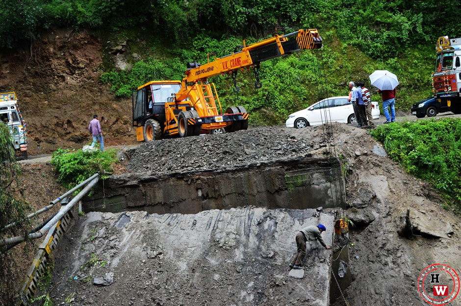 Bridge-collaps-on-shimla-bypass-2