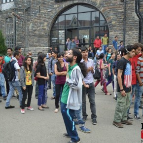 shimla-flash-mob-mall