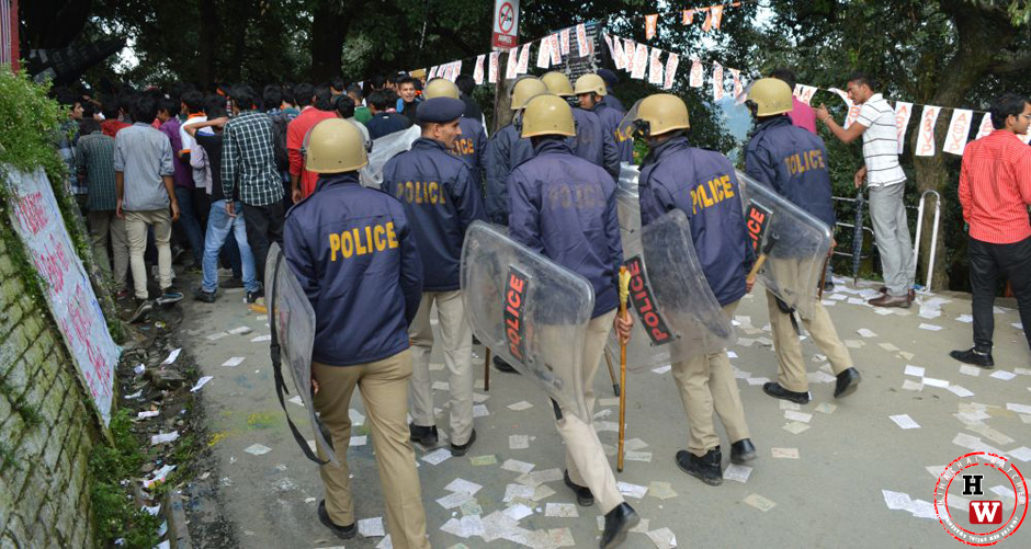 shimla-police-security-at-hpu-polls