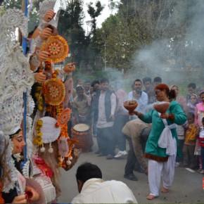 dhunuchi-dance