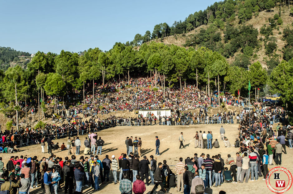 crowd-at-baichidi-ground