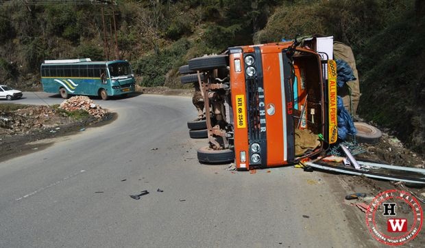 overloaded truck toppled down on shimla bypass