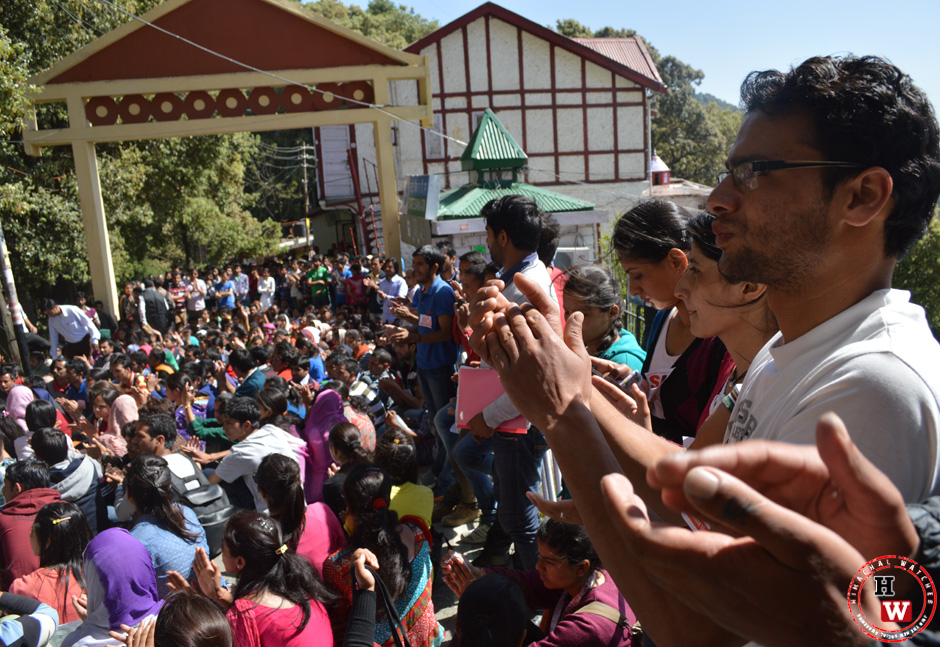 student protest in himachal pradesh university campus