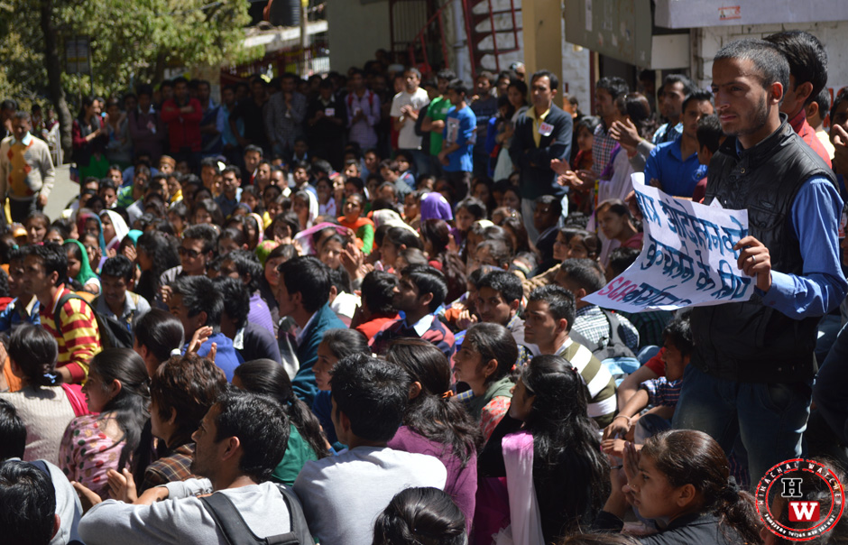 student protest in himachal