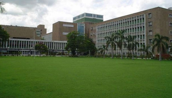 Now book OPD doctor appointment through phones at AIIMS