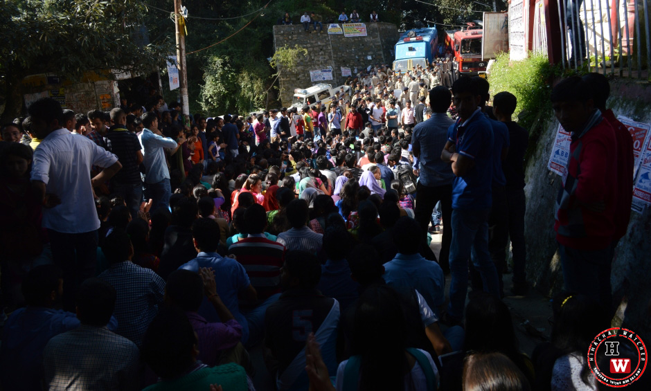massive-student-protest-in-himachal