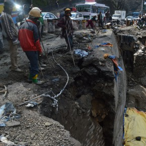 under-construction-shimla-cartroad-retaining-wall-sinks-again