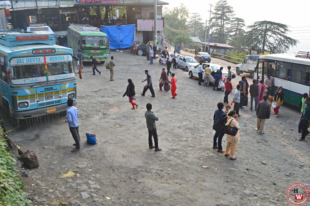 Lakkar-Bazaar-bus-stand-shimla