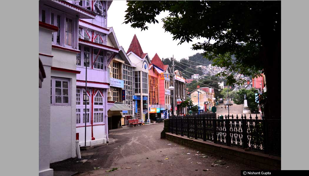 Mall-Road-Shimla.-Post-office-&-Bank-Buildings-can-also-been-seen-far-away