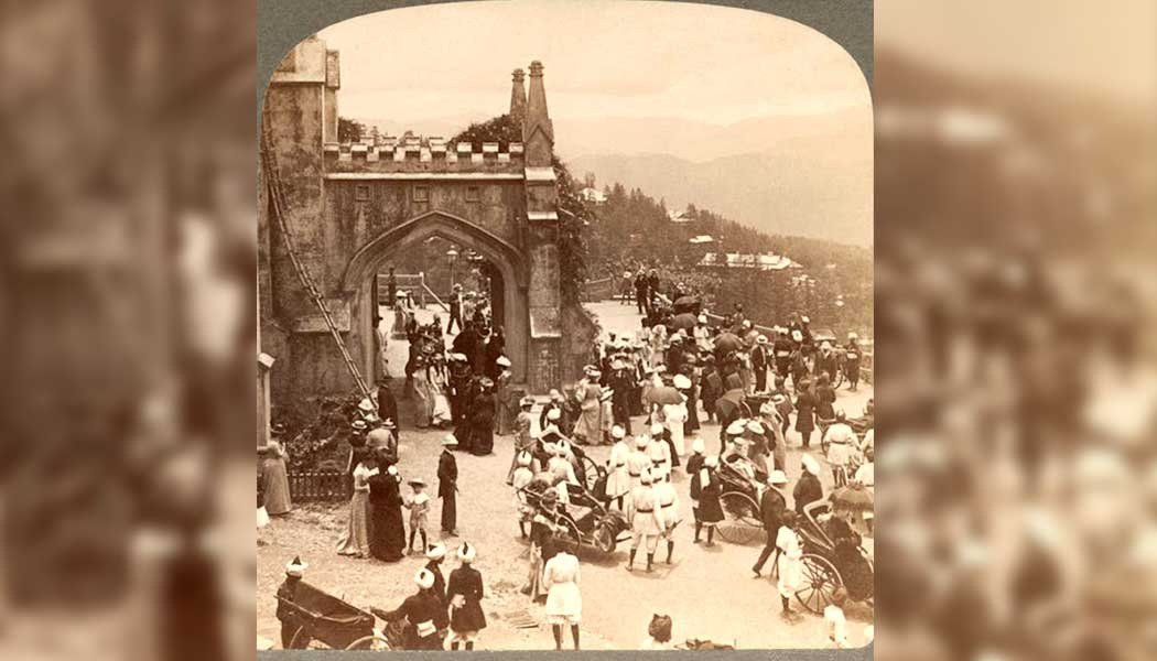 The-old-picture-is-from-the-coronation-day-service-of-King-Edward-VII-in-1902-which-was-celebrated-here-by-Lord-Duffrin