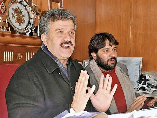 Shimla Mayor Files FIR against