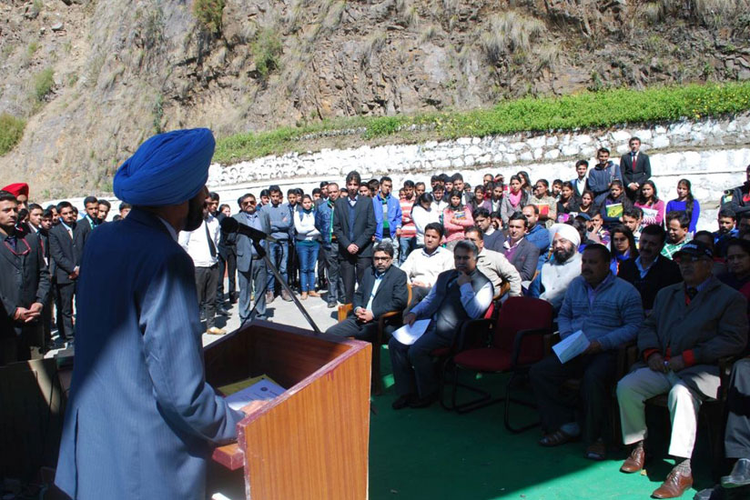 Bahra-University-Shimla-Hills-School-of-Mechanical-and-Automobile-jointly-organized-an-event-Aarambh-2016-3