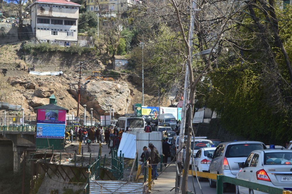 Lift traffic jam Shimla