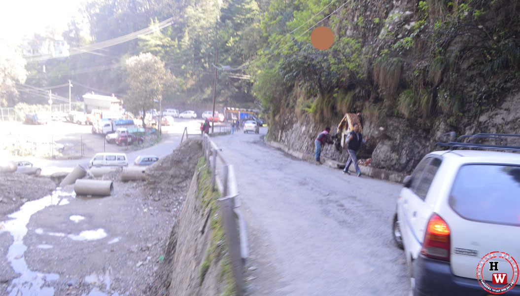 igmc-road-from-kaller-bazaar-shimla