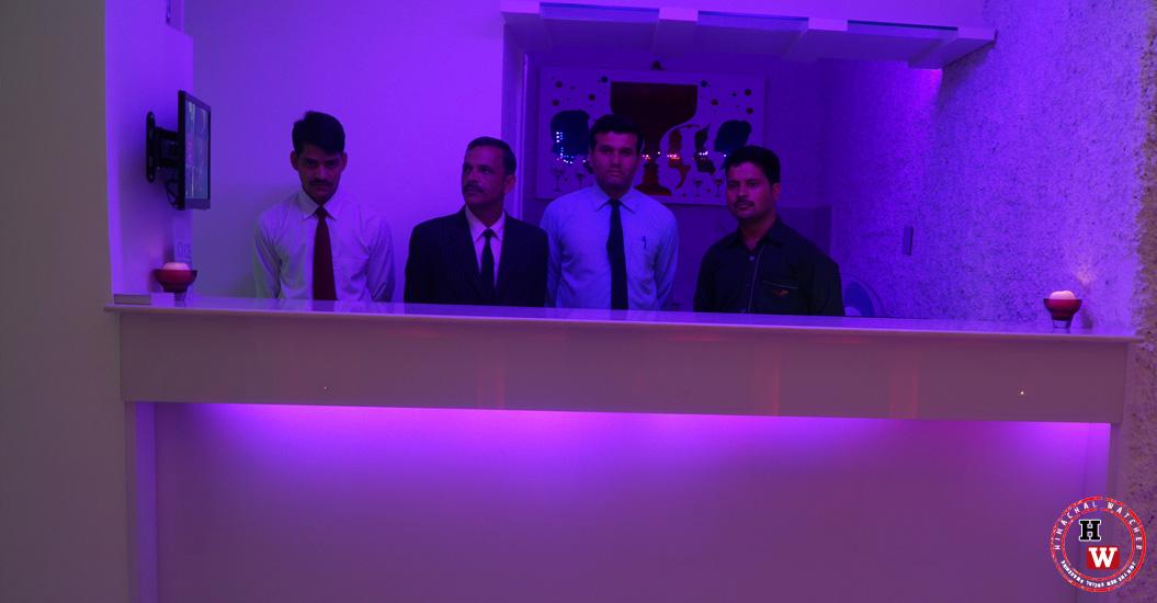 Shimla-Ice-Bar-Staff