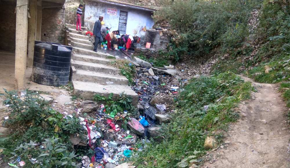 littering-in-shimla-city