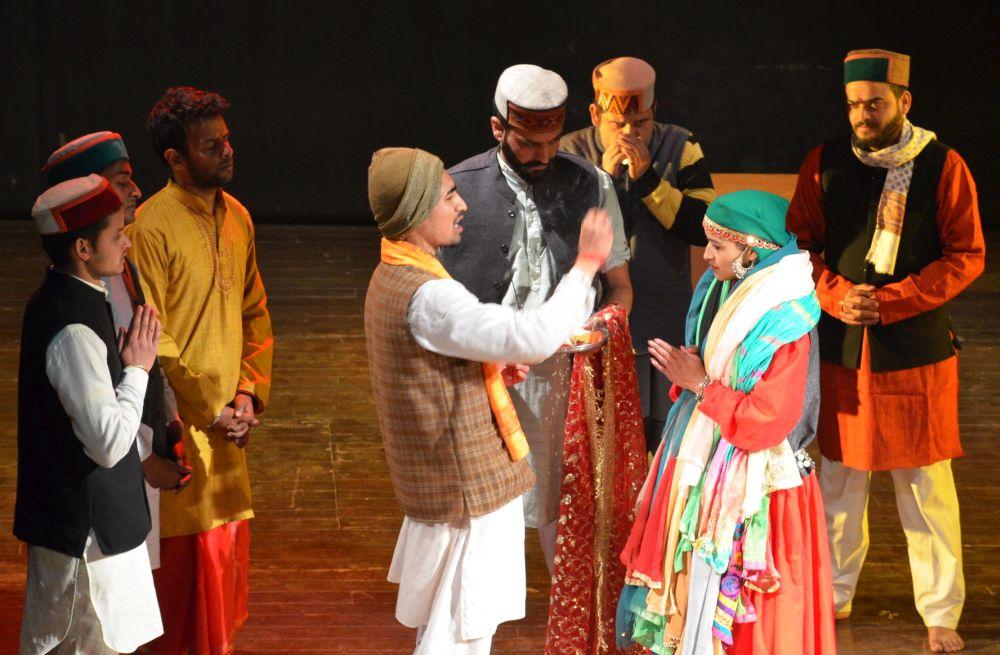 Himachal Theater Artist