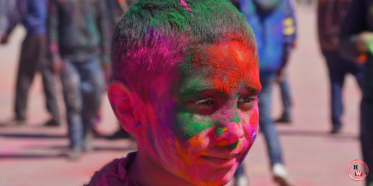 Holi-Faces
