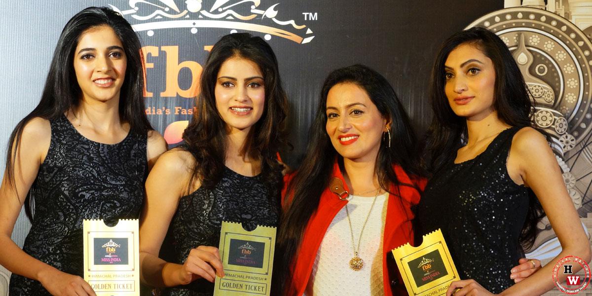 Shikha-Sood,-Santoshi-Ranaut-and-Ankita-Dogra-(Left-to-Right)-with-the-judge-Pooja-Negi-Rajta-at-the-fbb-Colors-Femina-Miss-India-auditions-at-Radisson-hotel--9