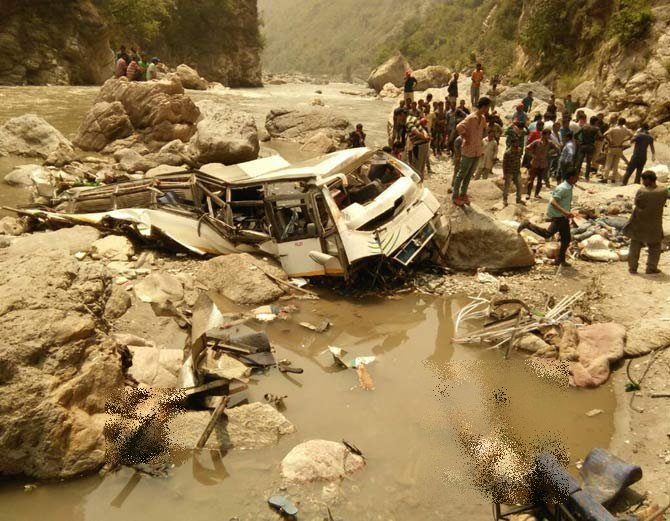 himachal bus accident photos 7