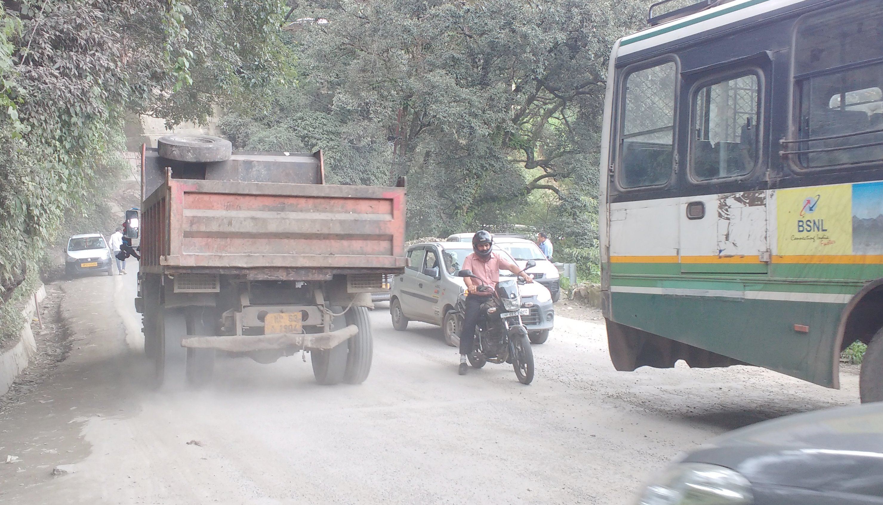 Dust emissions on shimla roads