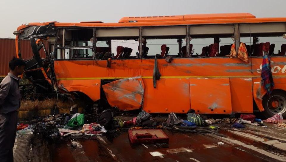 School children injured in agra bus accident