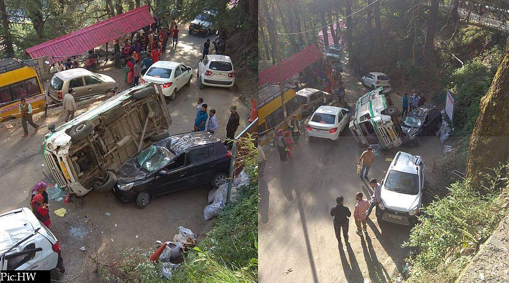 108 ambulance accident near IGMC Shimla 4