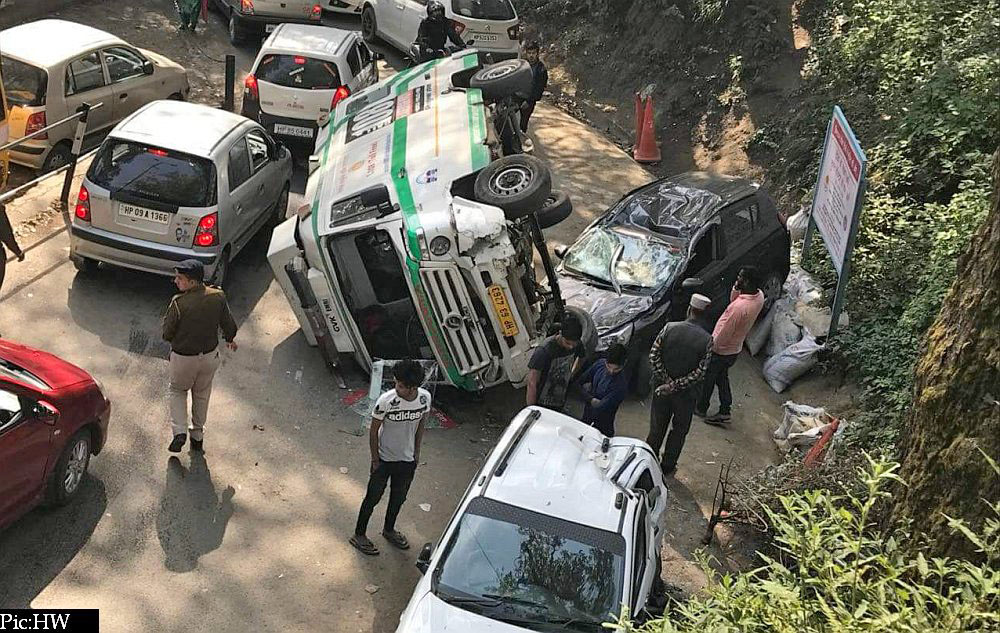108 ambulance accident near IGMC Shimla