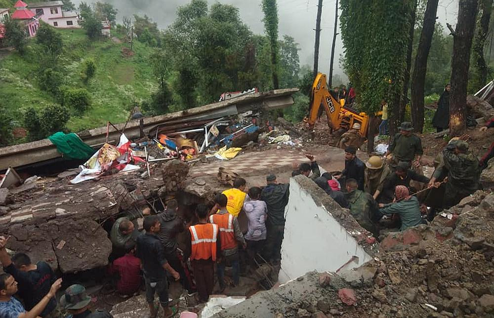 Himachal pradesh building collapse