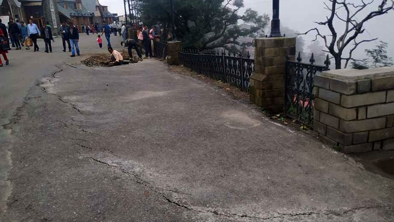 Fresh cracks on shimla ridge 2