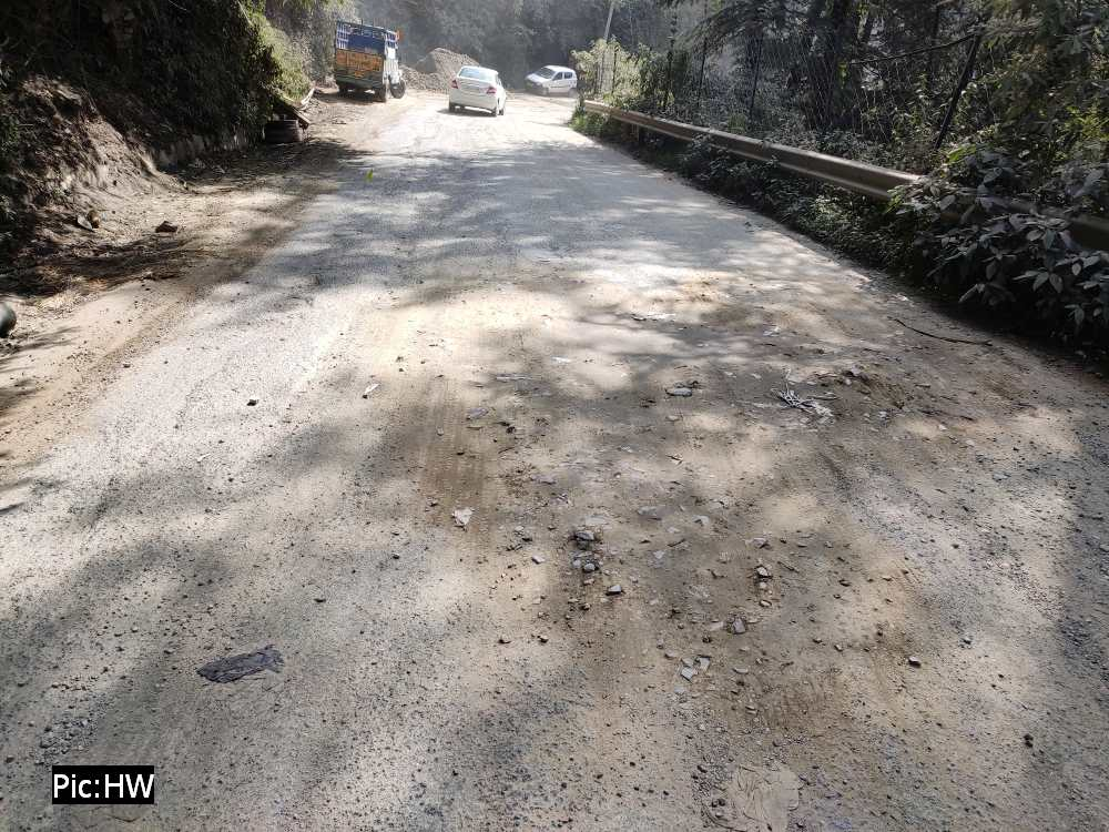 Shimla bypass road on NH 5 in poor condition 2