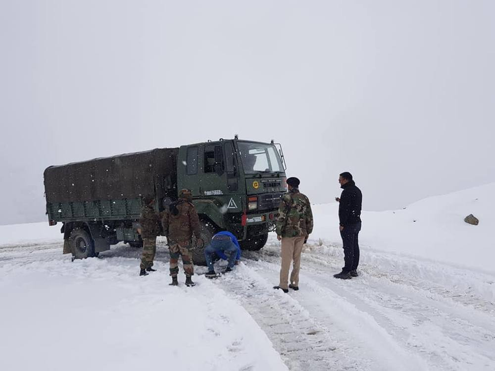 Snowfall in rohtang Pass in october 2019