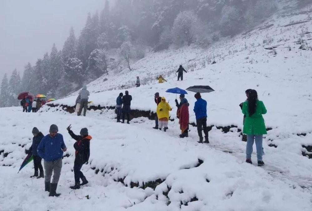 Snowfall in kullu manali 2019