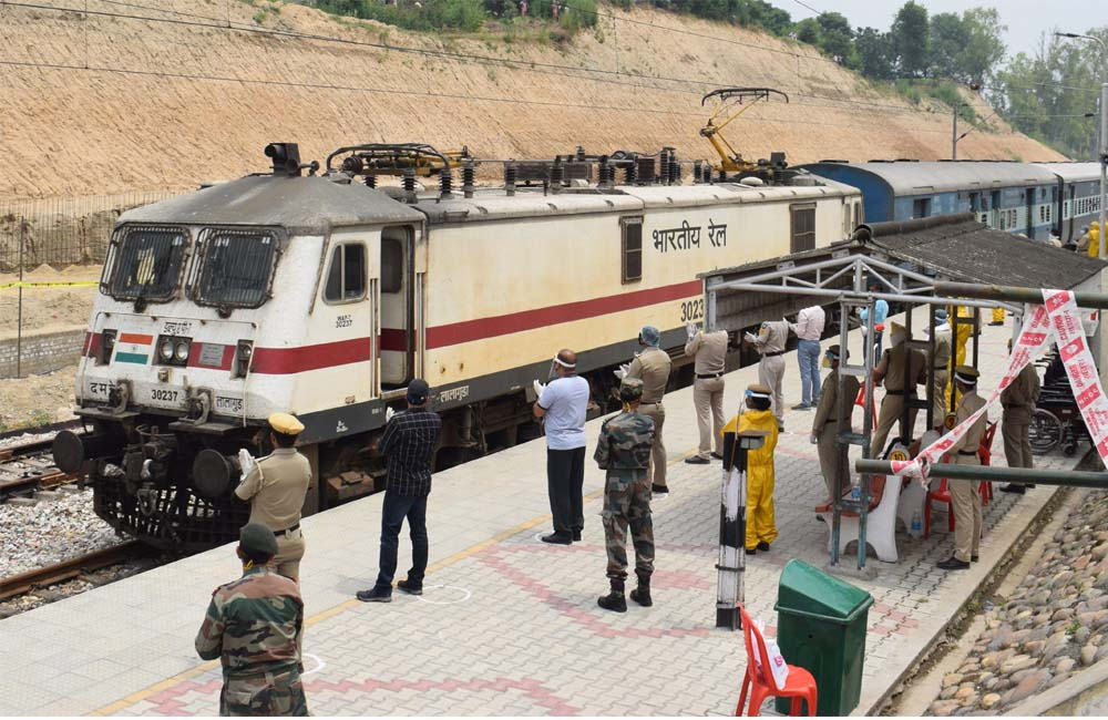 Himachali Stranded in Other States Brought back