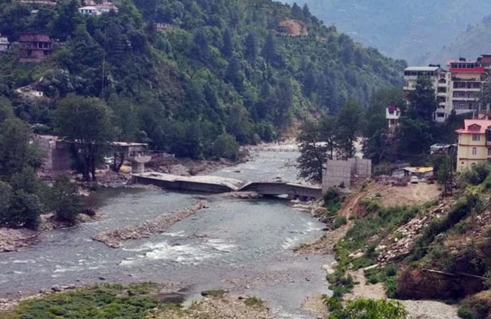 officials suspended in rohru bridge collapse