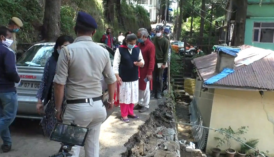 Multi story building collapsed in shimla