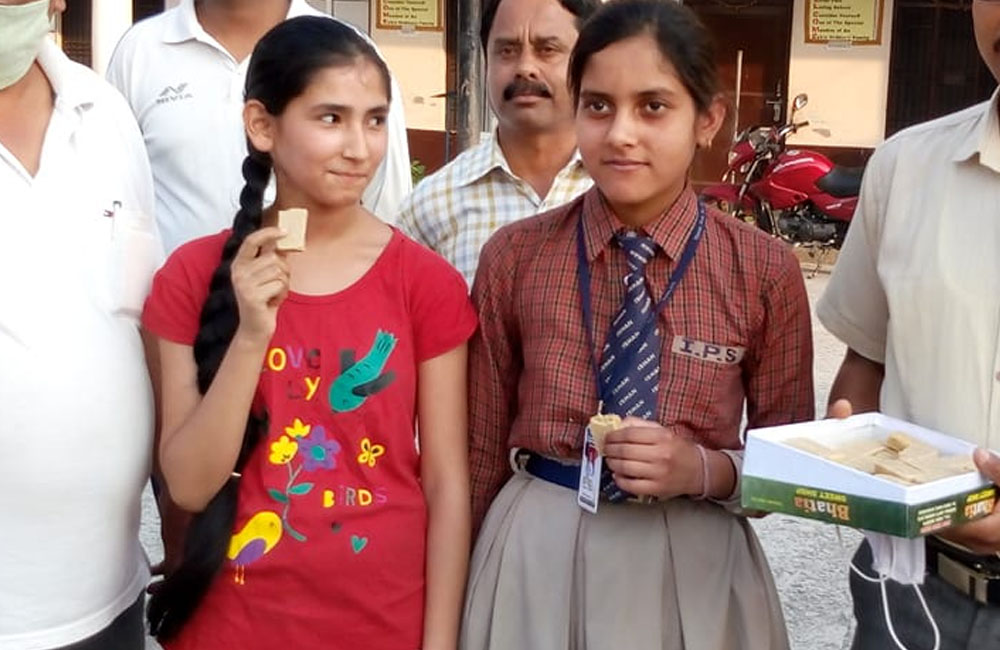 Photos of HPBOSE class 10 toppers