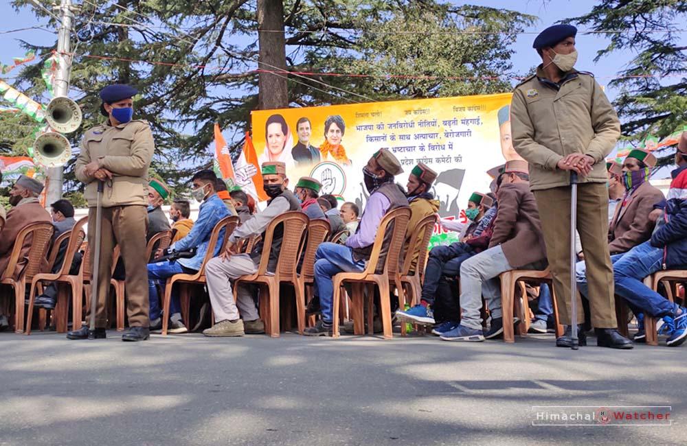 Shimla Police on duty